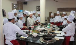 Không lo thất nghiệp khi học nghề bếp